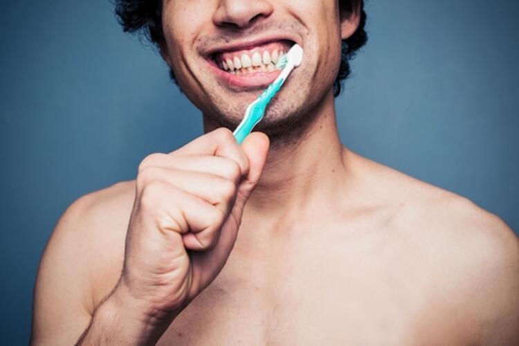 Ağız ve diş detoksu için 8 öneri