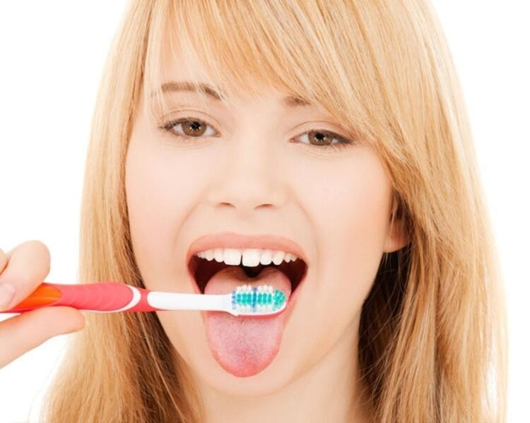 Dil Fırçalama
