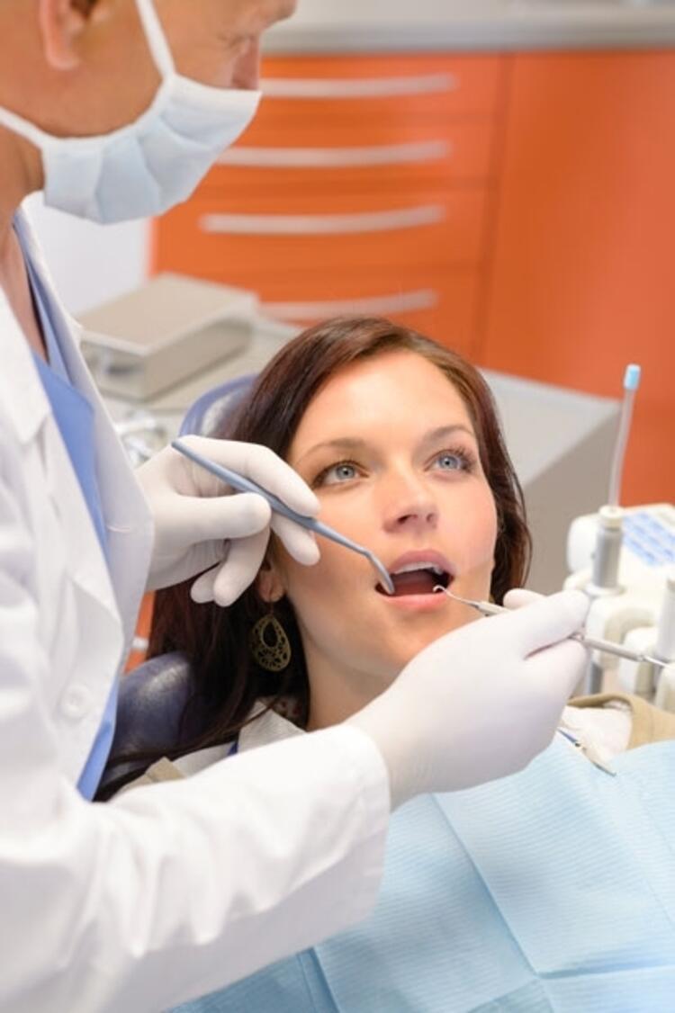 Dişlerde erime göz ardı edilen yeme bozukluklarının sonucudur