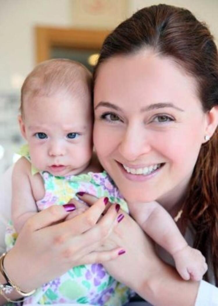 Ceyda Düvenci'nin kızı Melisa