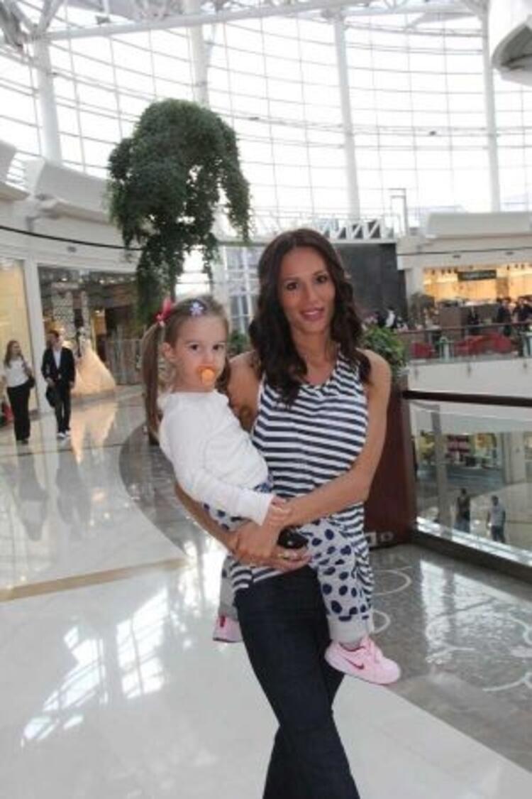 Güzide Duran'ın kızı Selin