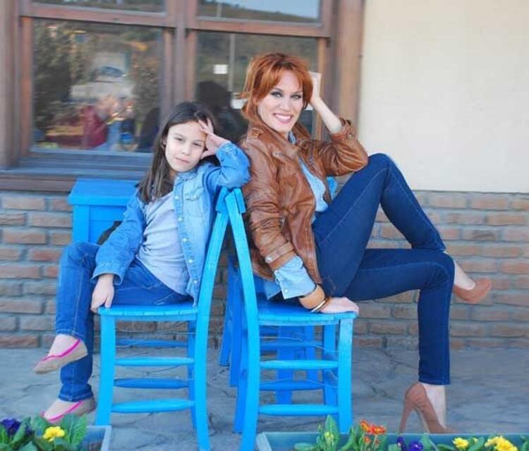 Ebru Cündübeyoğlu'nun kızı Duru