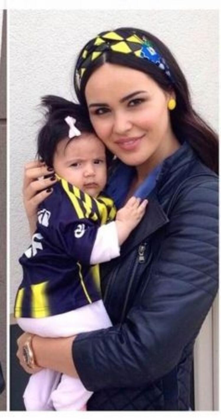 Volkan Demirel ile eşi Zeynep Severin kızı Yade