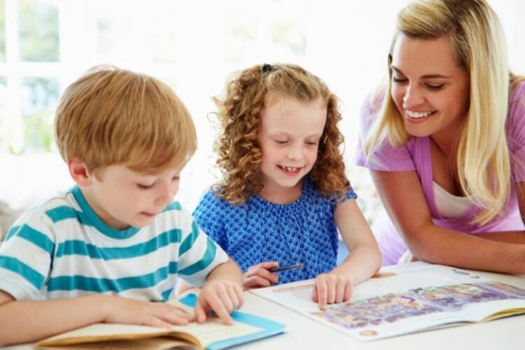 1. Çocukları pek çok kitapla tanıştırmak becerilerini geliştirir