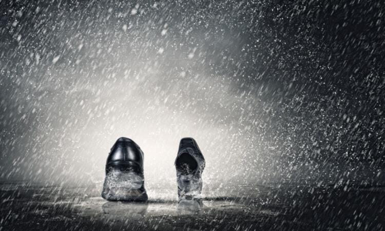 Ayakkabının su geçirmesi