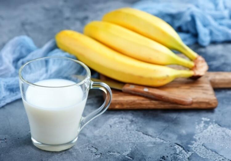 Meyvenin yanına 1 bardak süt
