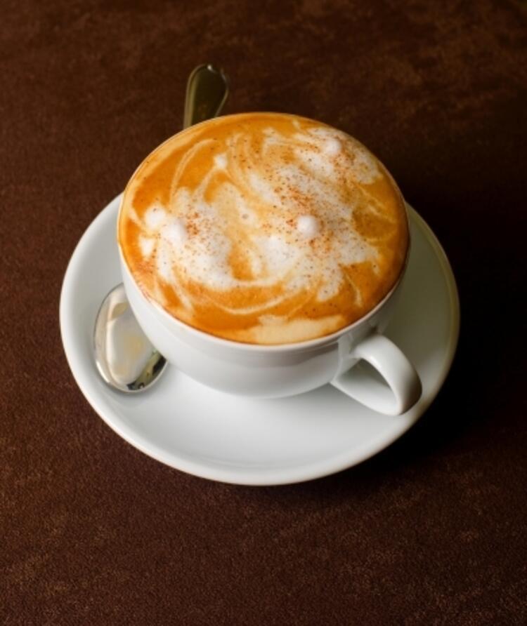Cappuccino (135 kcal)