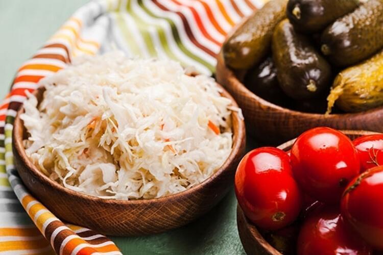 Güçlü antioksidan için lahana turşusu
