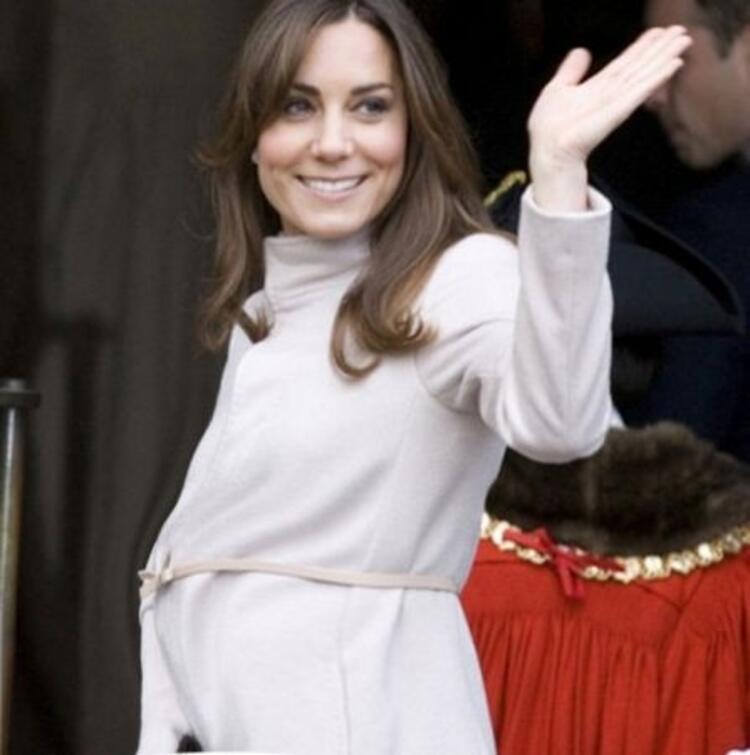 Kate Middletonın hamile kıyafetleri