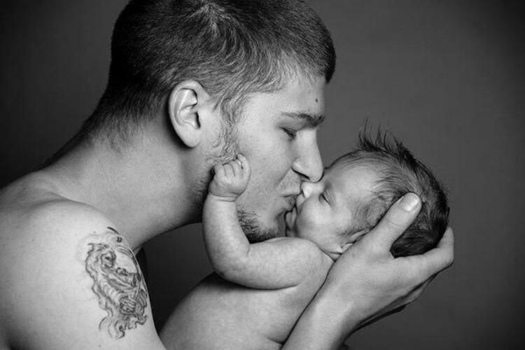 Babalar ve bebeklerin ilk pozları