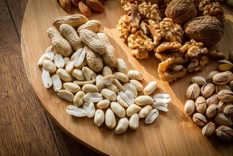 Buzdolabında olması gereken anlık açlık krizlerini önleyecek 5 besin
