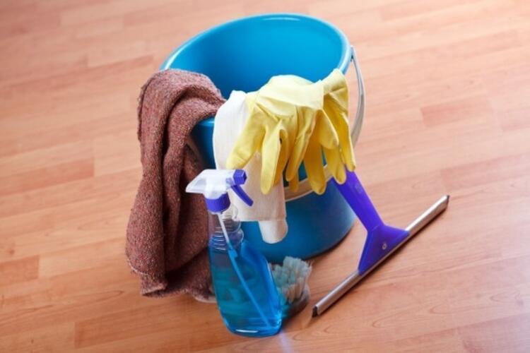 • Temizlik ürünleri, parfüm, spreyler