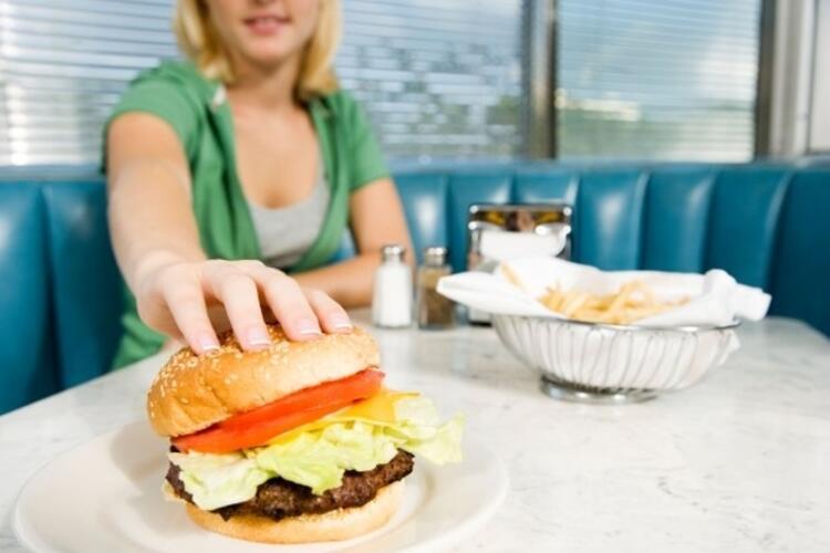 • Fast food ve katkı malzemeli yiyecekler