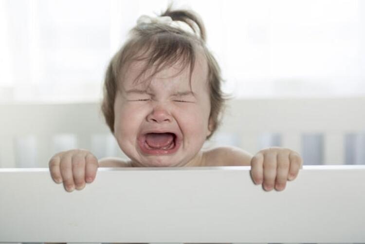 Çok ağlayan bebek kolik olabilir