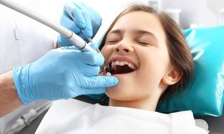 Dişlerde çapraşıklık ve konuşma bozukluklarına neden olabilir