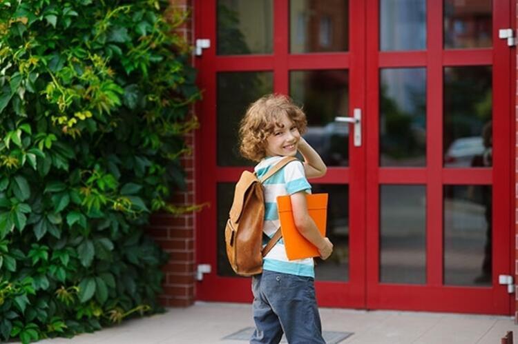 Okul kapısı