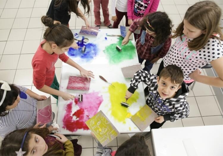 Akbank Sanattan Çocuklara Özel 23 Nisan Atölyeleri
