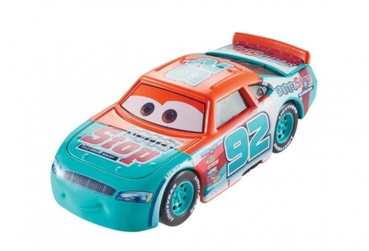 Cars 3 filminin en sevilen karakterleri şimdi tekli paketlerde sizlerle