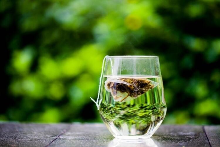 Karın çevresindeki yağlara yeşil çay