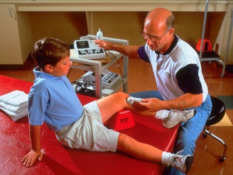 Yanlış: Spor yaralanması sonrası ameliyat olan çocuğun spor hayatı biter