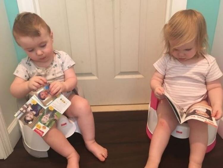 İkizler tuvalet eğitiminde