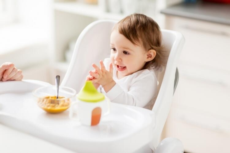 HATA 3: Çocuklar için başlayacağınız yeni besinleri karışık vermek