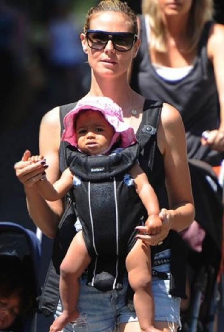 Heidi Klumda bebeğini emzirirken poz veren annelerden