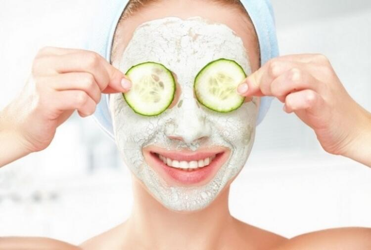 Güneş yanıkları için yoğurt maskesi