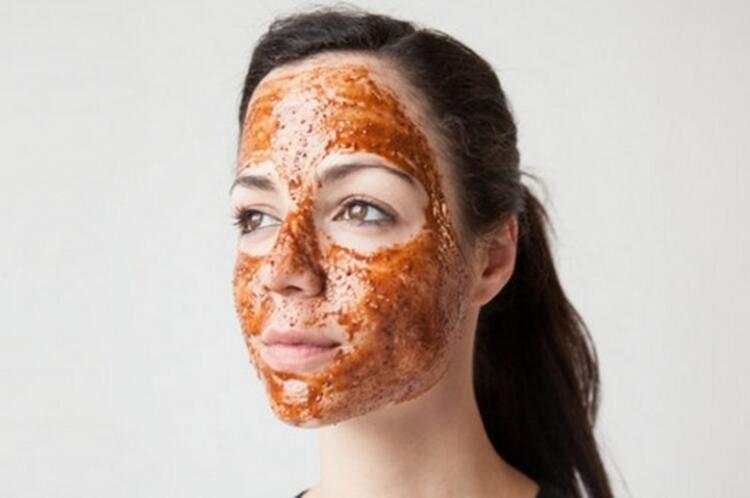 Yumuşak bir cilt için yoğurt maskesi