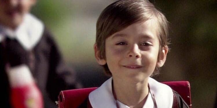 Emir Berke Zincidi (12 yaşında) -  Öyle Bir Geçer Zaman ki