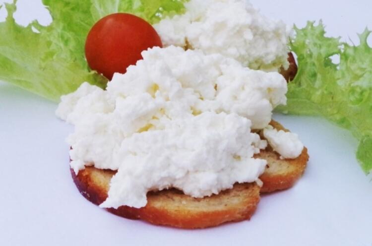 Lor peyniri baş tacı yapın