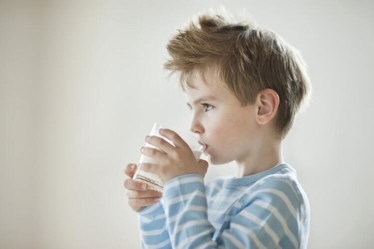 Günde 2-3 bardak süt, 100 gram et tüketmeliler