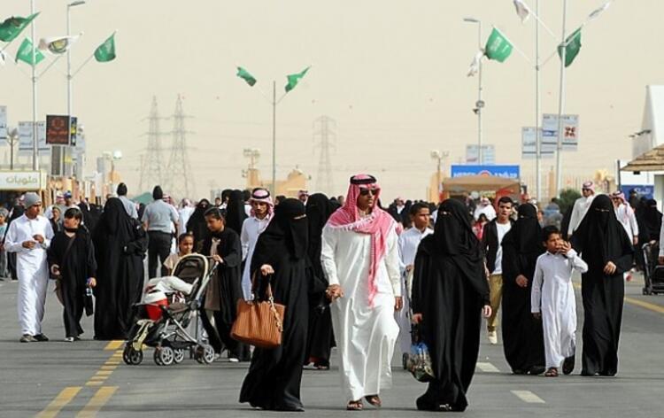 Elaine – Suudi Arabistan