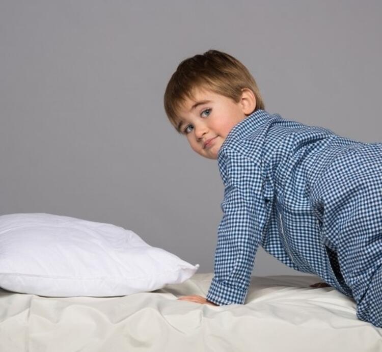 3- Aşırı yorgun çocuk rahat uyuyamaz bunu kabul edin.