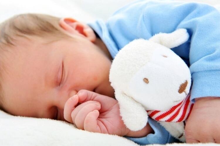 10- Uyku arkadaşı edinmesini sağlayın