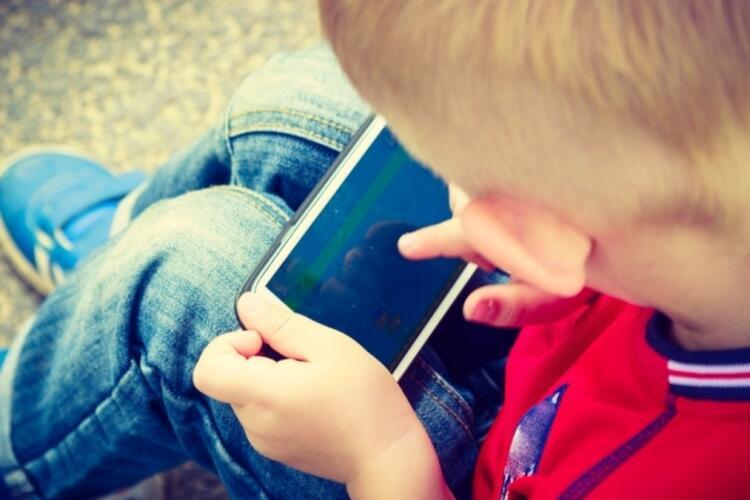 Çocuğunuz telefona düşkün ise dikkat