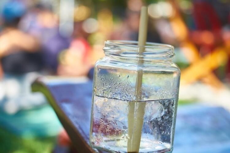 3-Günde en az 8-10 bardak su için