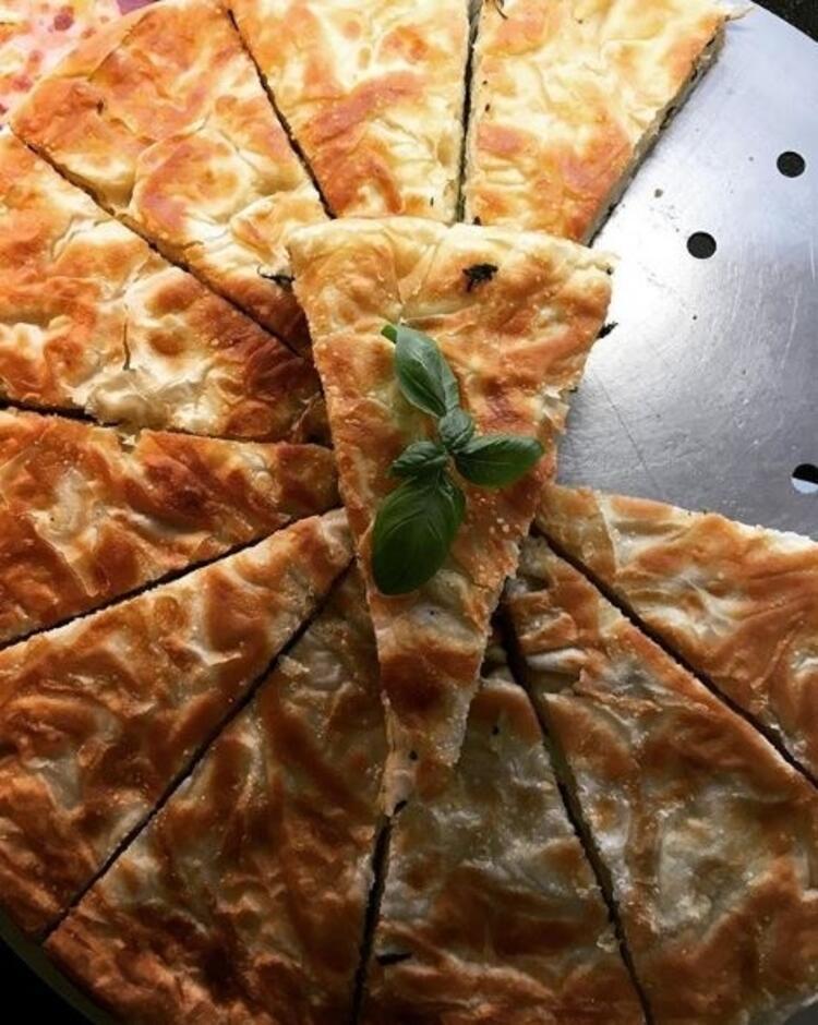 Tepsi böreği
