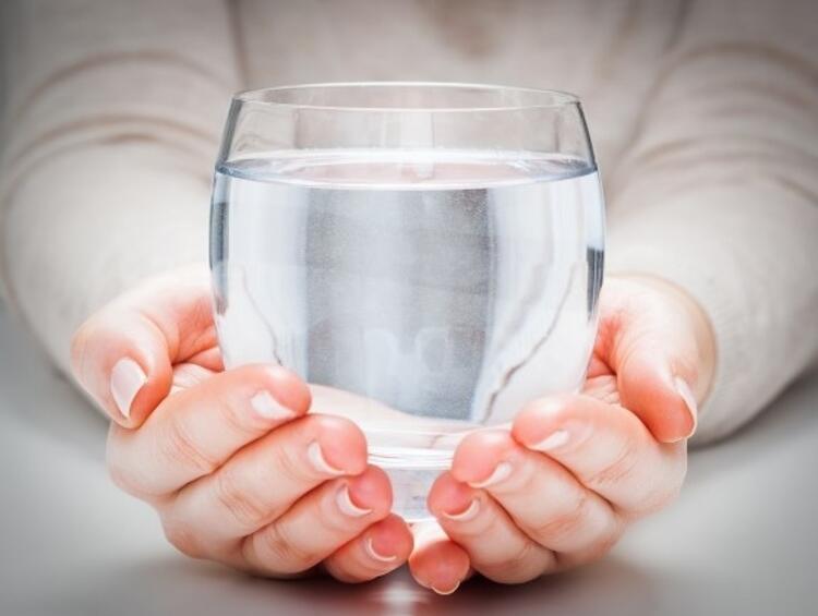 Su ve mevsim meyvelerini ihmal etmeyin