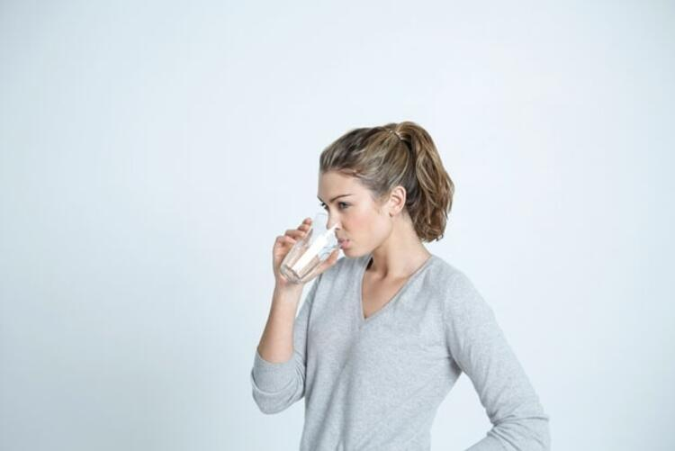 Kışın tüketilen sıcak içecekler suyun yerini tutmaz
