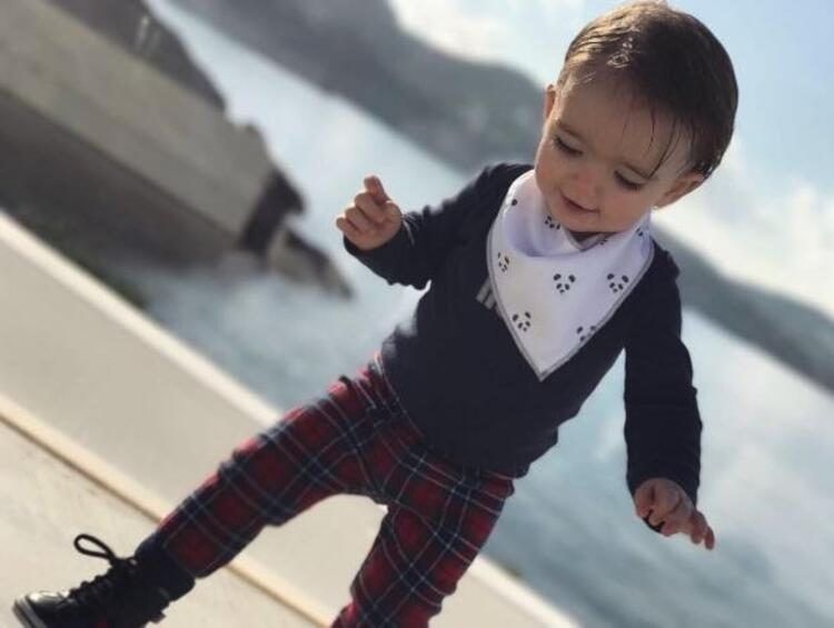 Wesley Sneijder'in oğlu herkesi kendine hayran bırakıyor