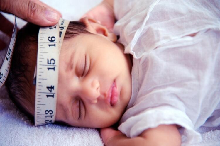 Bebeğinizin baş çevresini ölçmeyi ihmal etmeyin