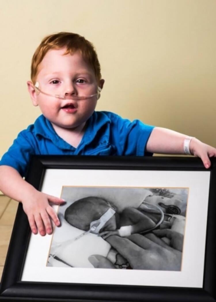 Charles, 26 haftalık iken doğdu
