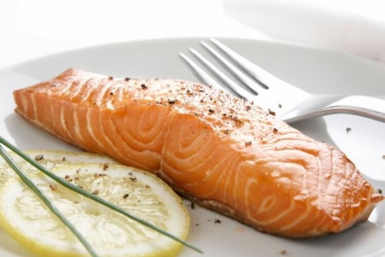 Vitamin ve mineral kaynağı somon