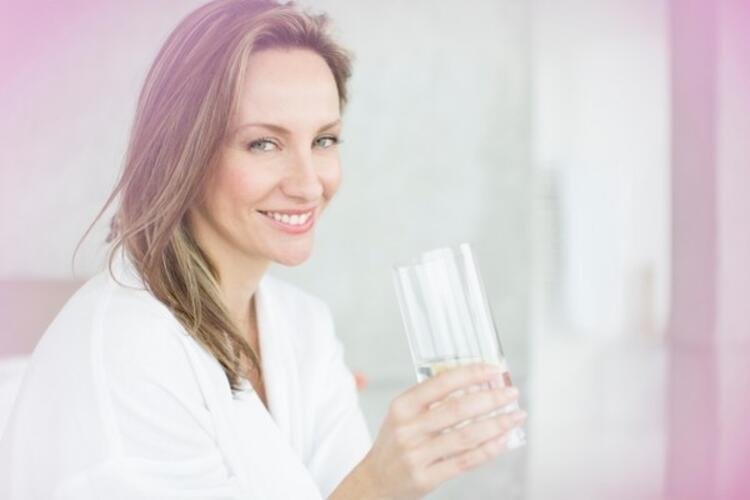 Kristalli bereket suyu