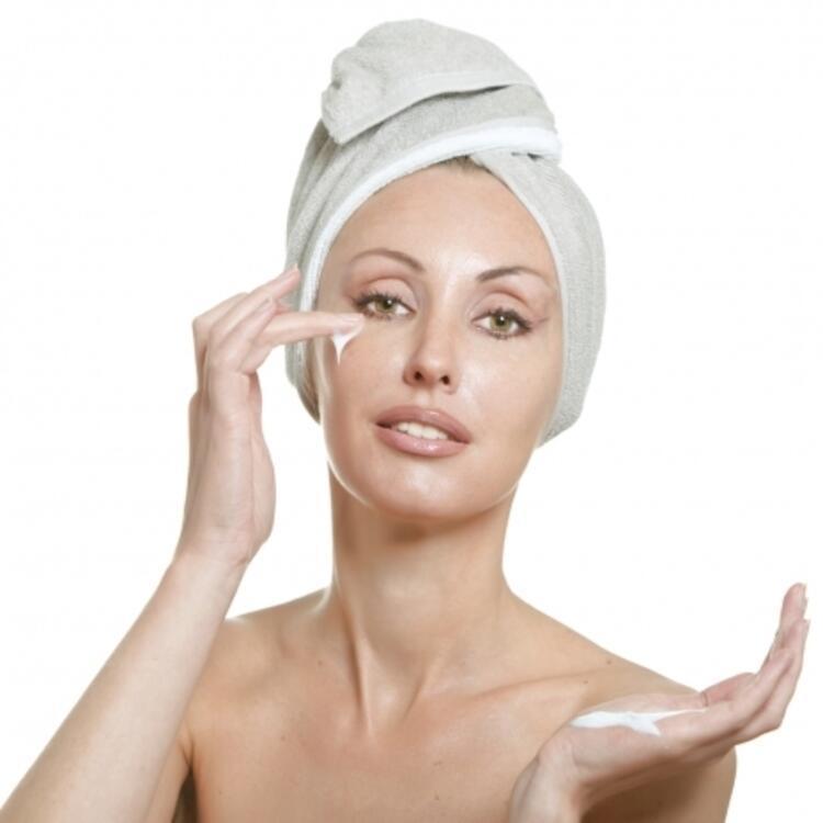 Banyo sonrası mutlaka cilt tipine uygun nemlendirici kullanın
