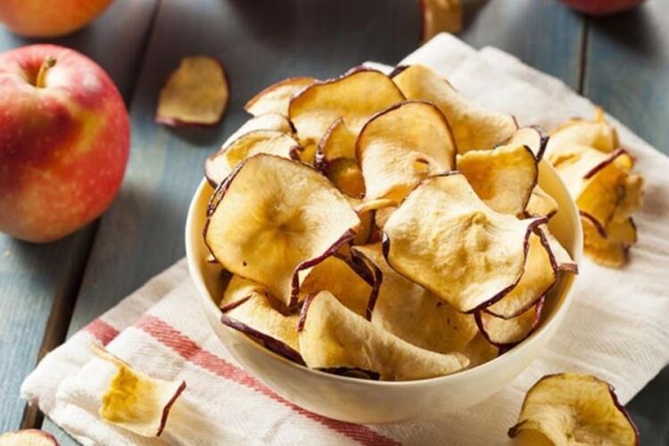 Fırında Tarçınlı Elma Cipsi