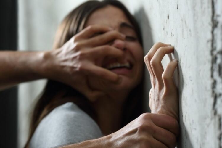 4. Agrafobi – Cinsel istismar korkusu