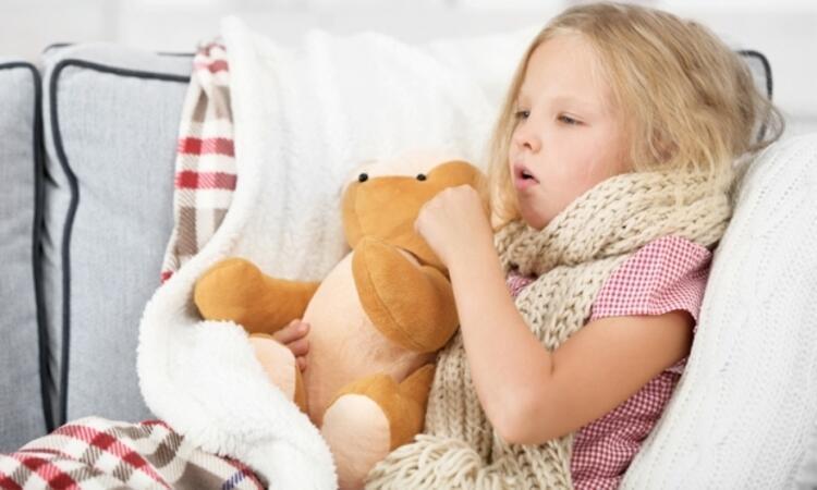 Çocuğun odasının ısı ve nem oranına dikkat edilmelidir