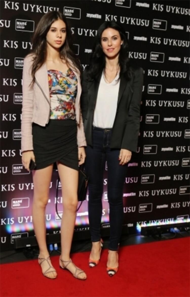 Defne Samyeli ve kızı Deren Samyeli